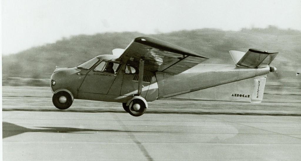 17321450142_11cc673ed4_b_flying-car