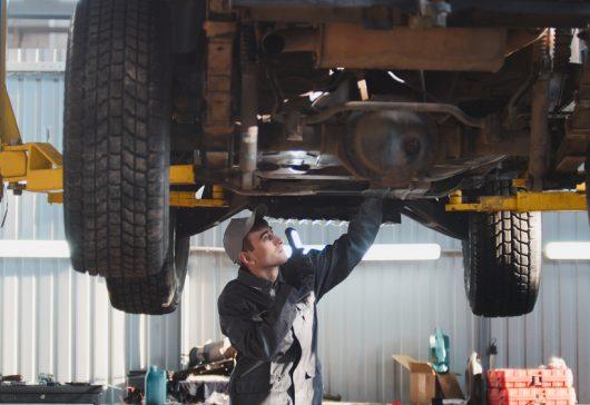 Vælg det rette værksted til både ny og brugt bil